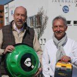 Ulrich Dähn von der Kanzlei am Seilerweg und Werner Schneider, Sportwart des TVH